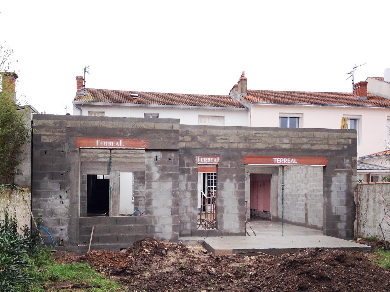 Ubik architectes extension c chantier for Chantier architecte